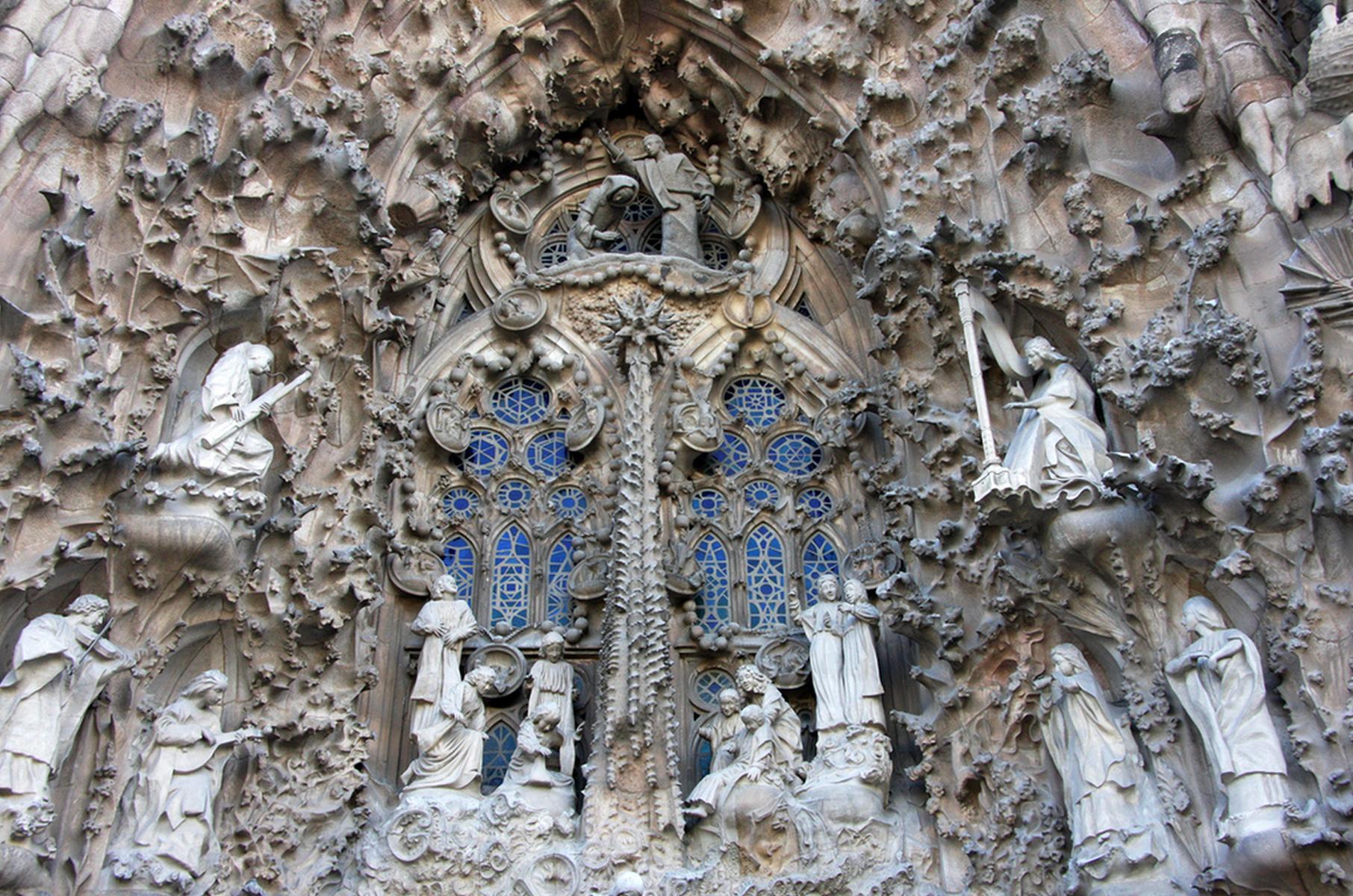 саграда-фамилия-храм-святого-семейства