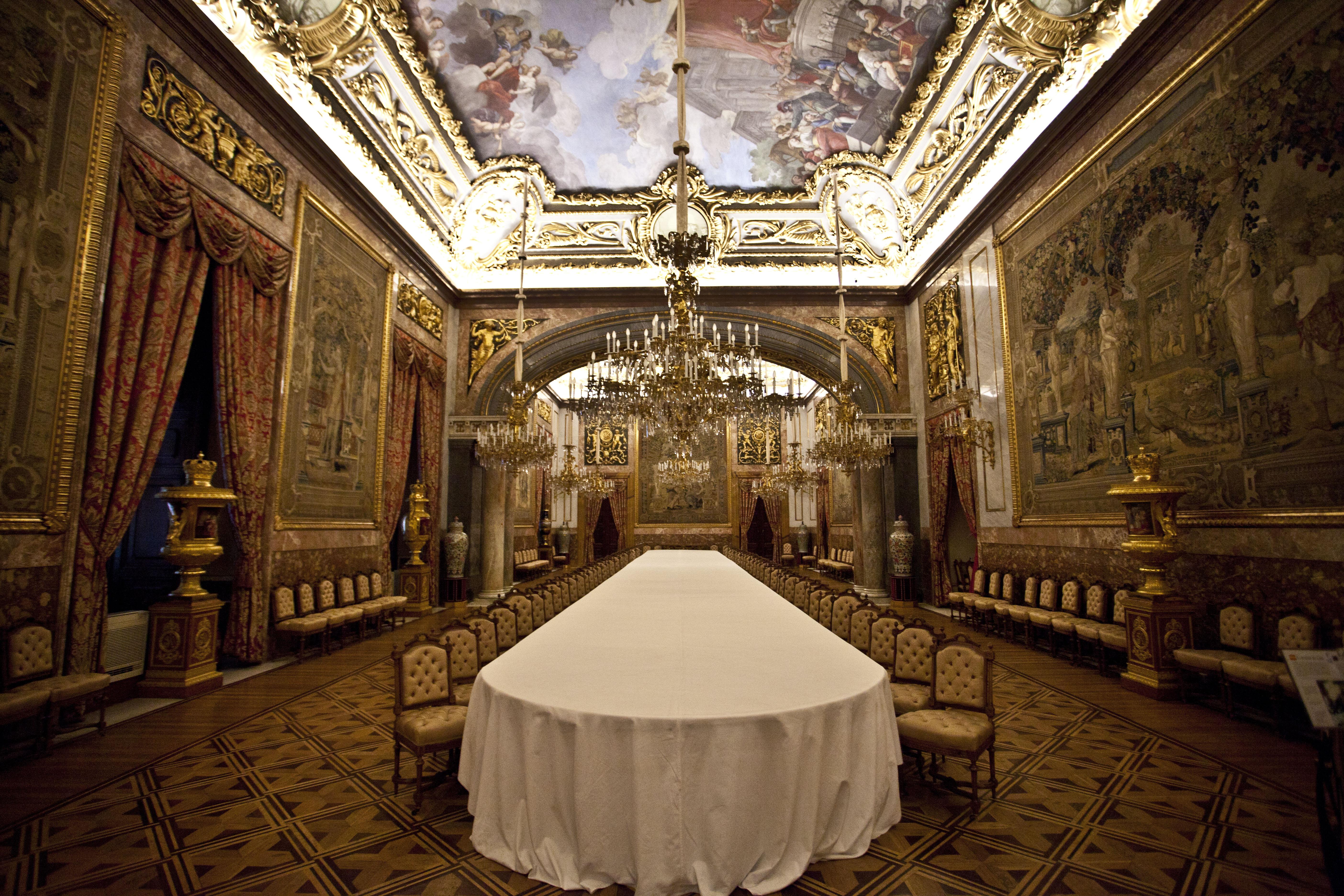 королевский дворец в мадриде внутри