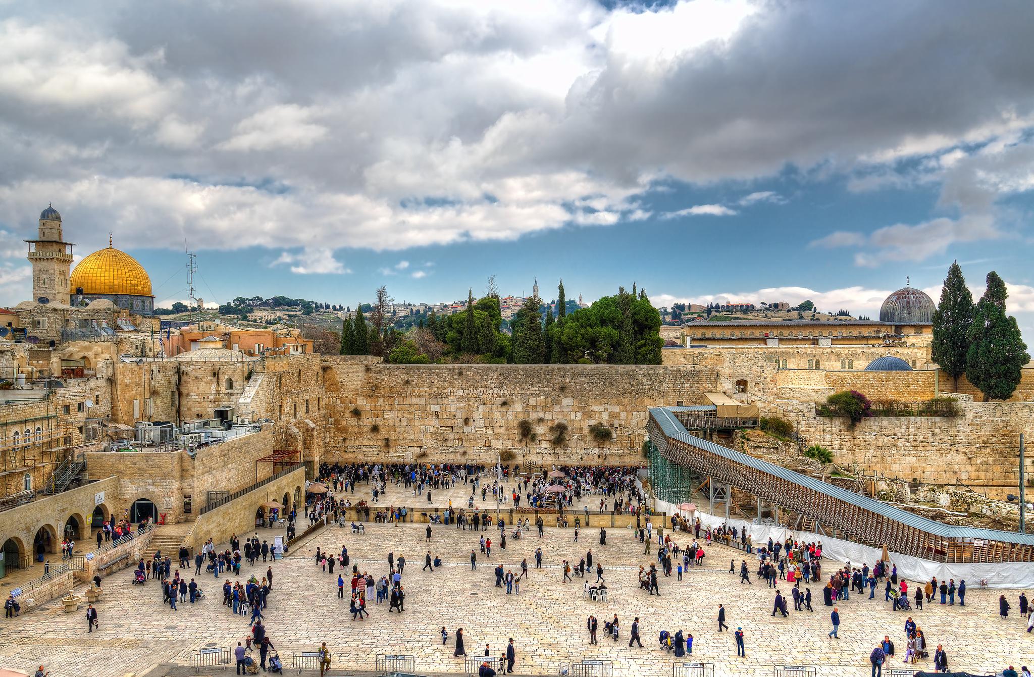 The-Farthest-Mosque-al-Masjid-al-Aqsa-Bayt-al-Muqaddas-in-Jerusalem