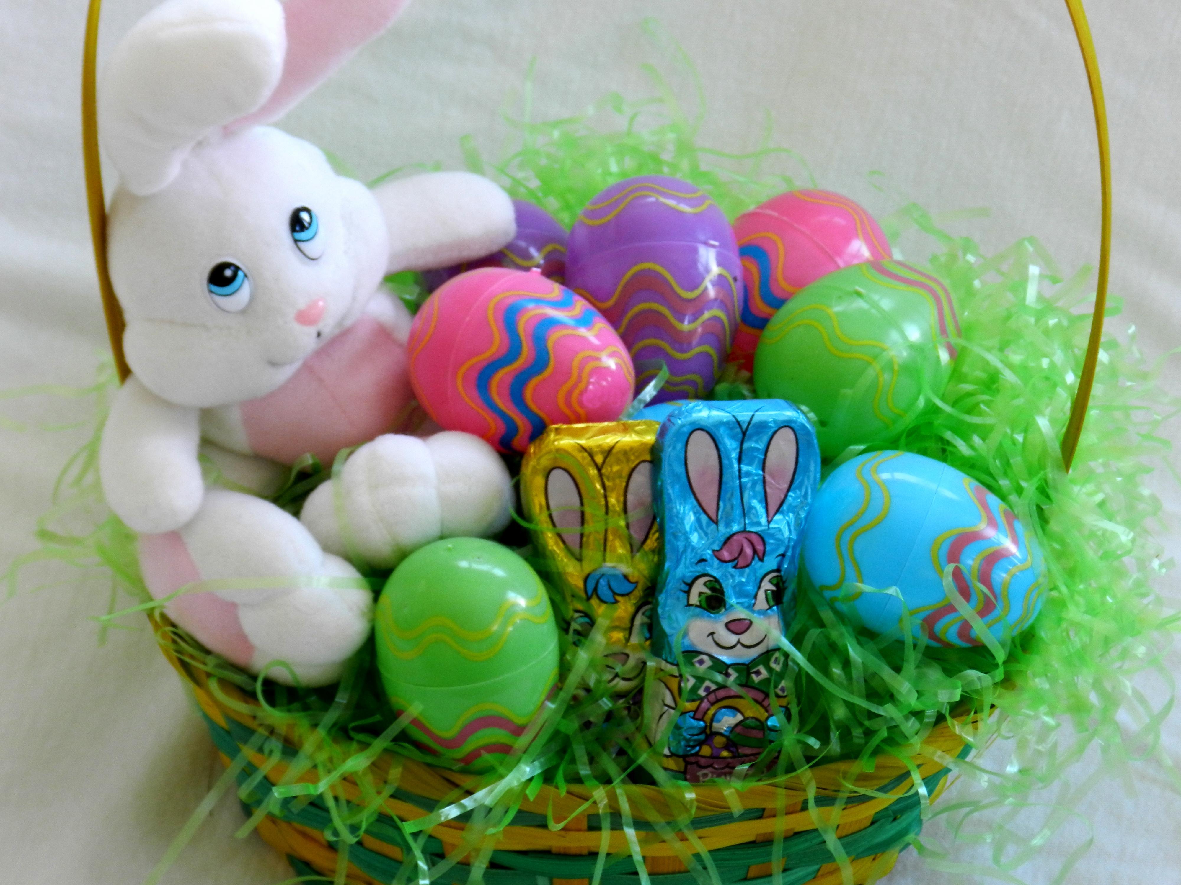 easter-bunny-easter-basket