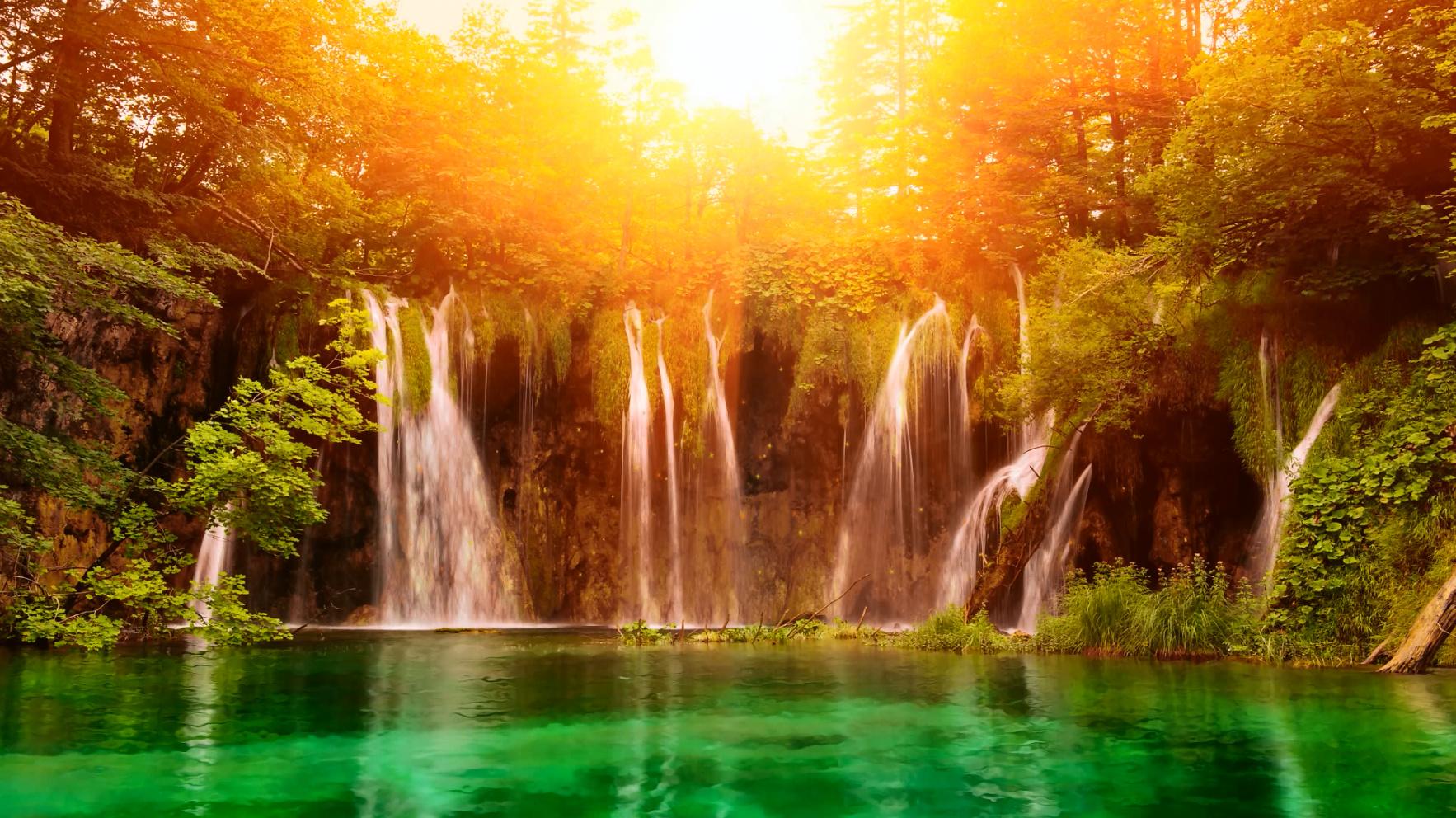 krasivie-oboi-ozero-i-vodopadi
