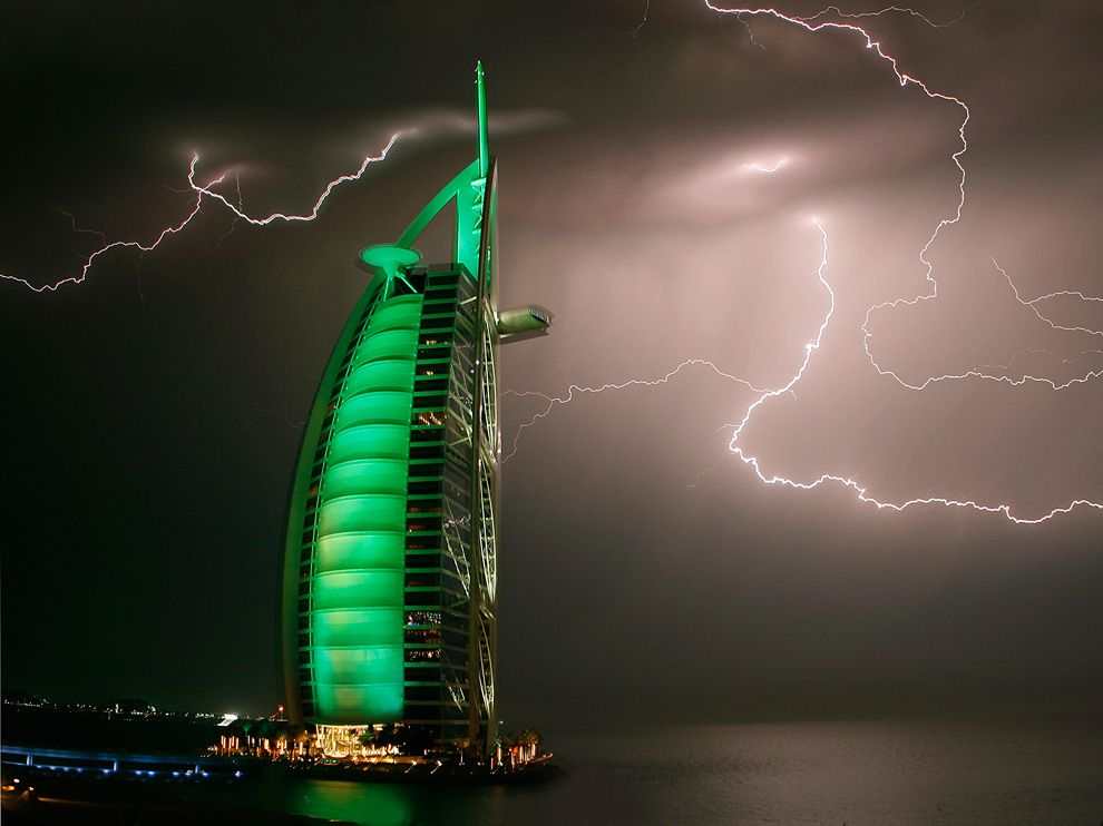 Бурдж Аль-араб отель, молния