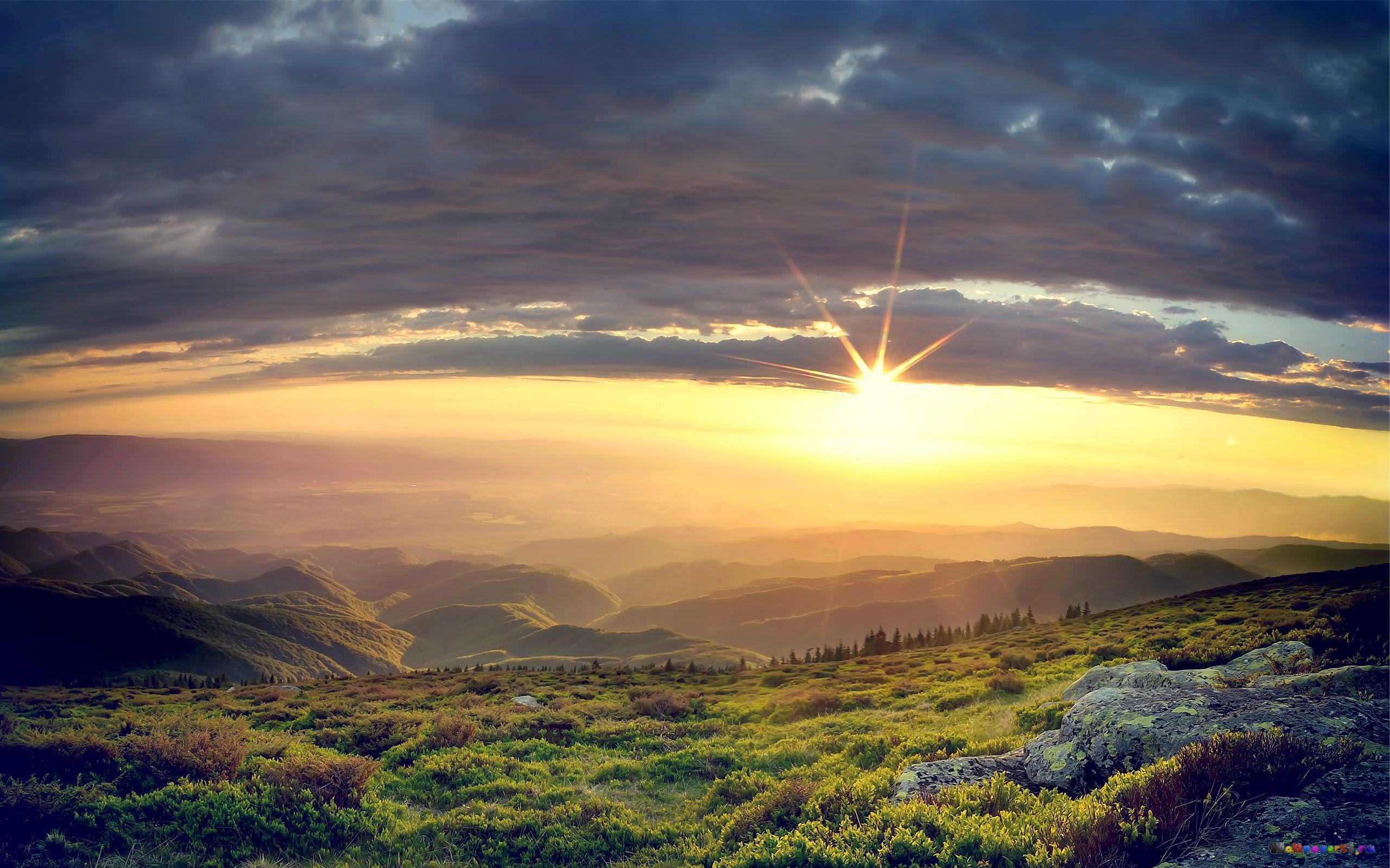 priroda-solnce-visoko-nad-lugami
