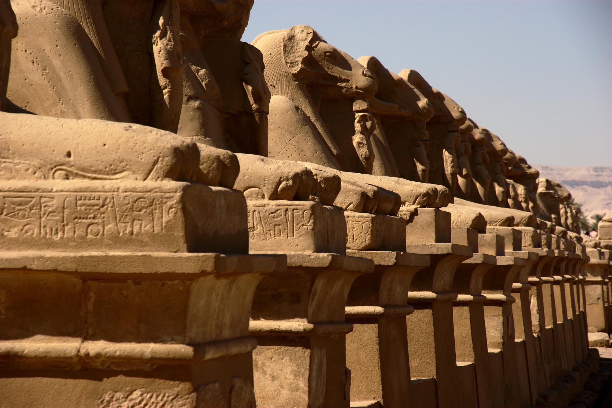 Karnak.original-sfinksi-egypt