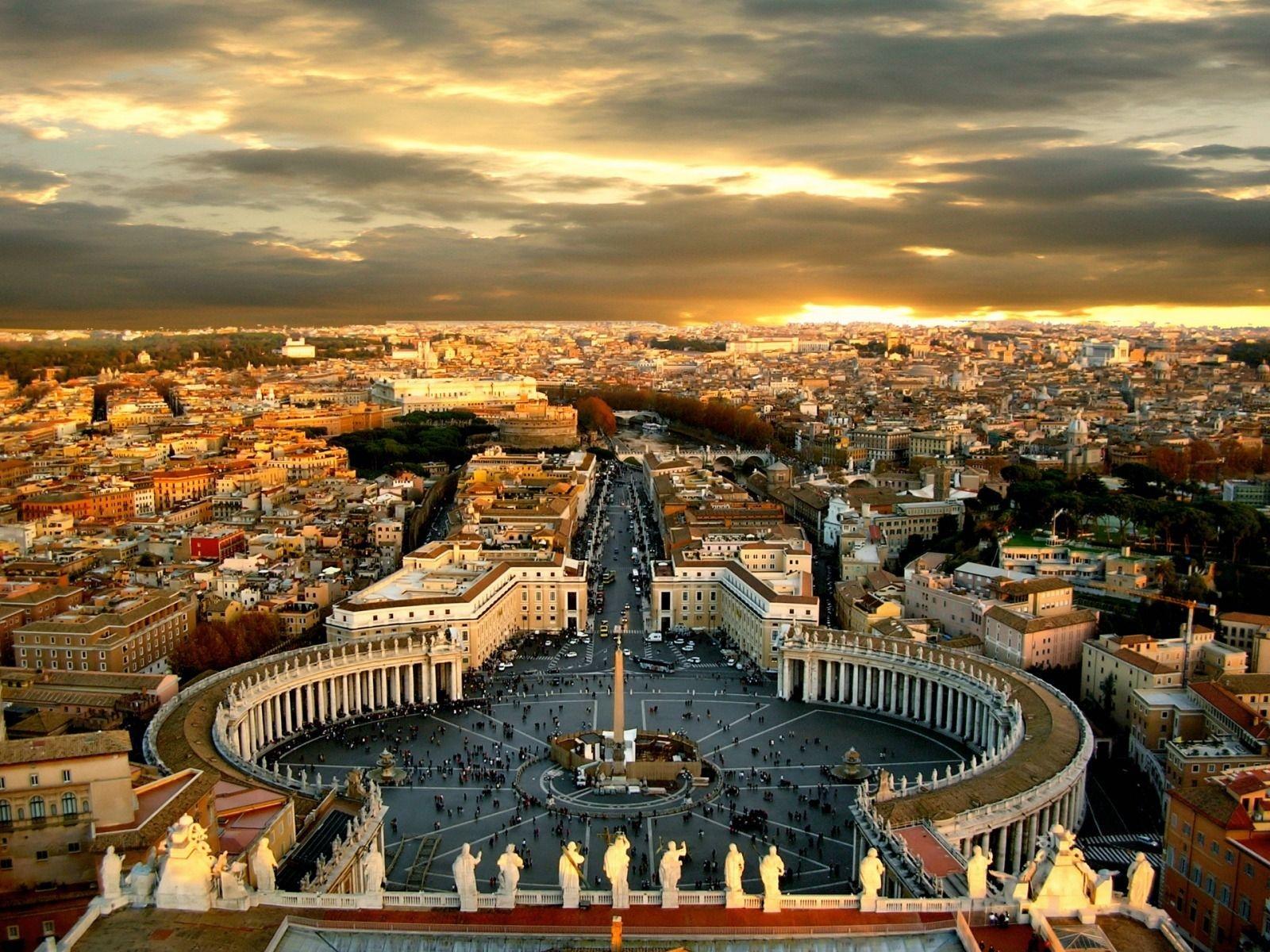 Panorama-Rim-Vatikan-vid-sverhu-na-gorod