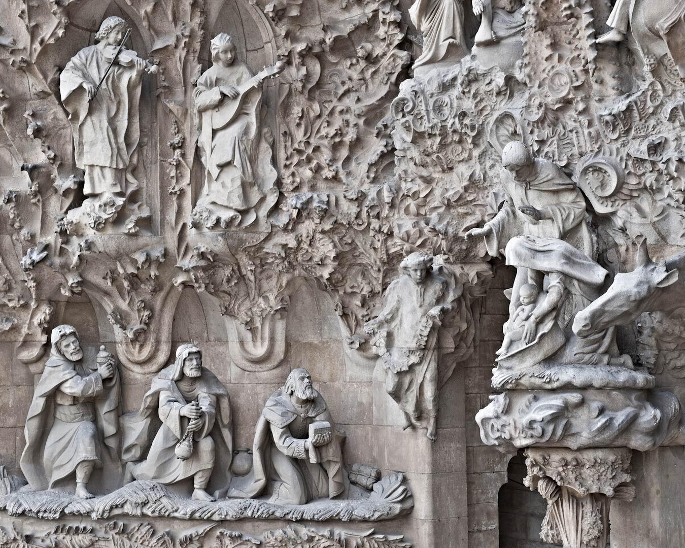 Саграда-фамилия-Барселона-достопримечательности-церковь