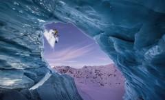 snowboarder-cave-austria