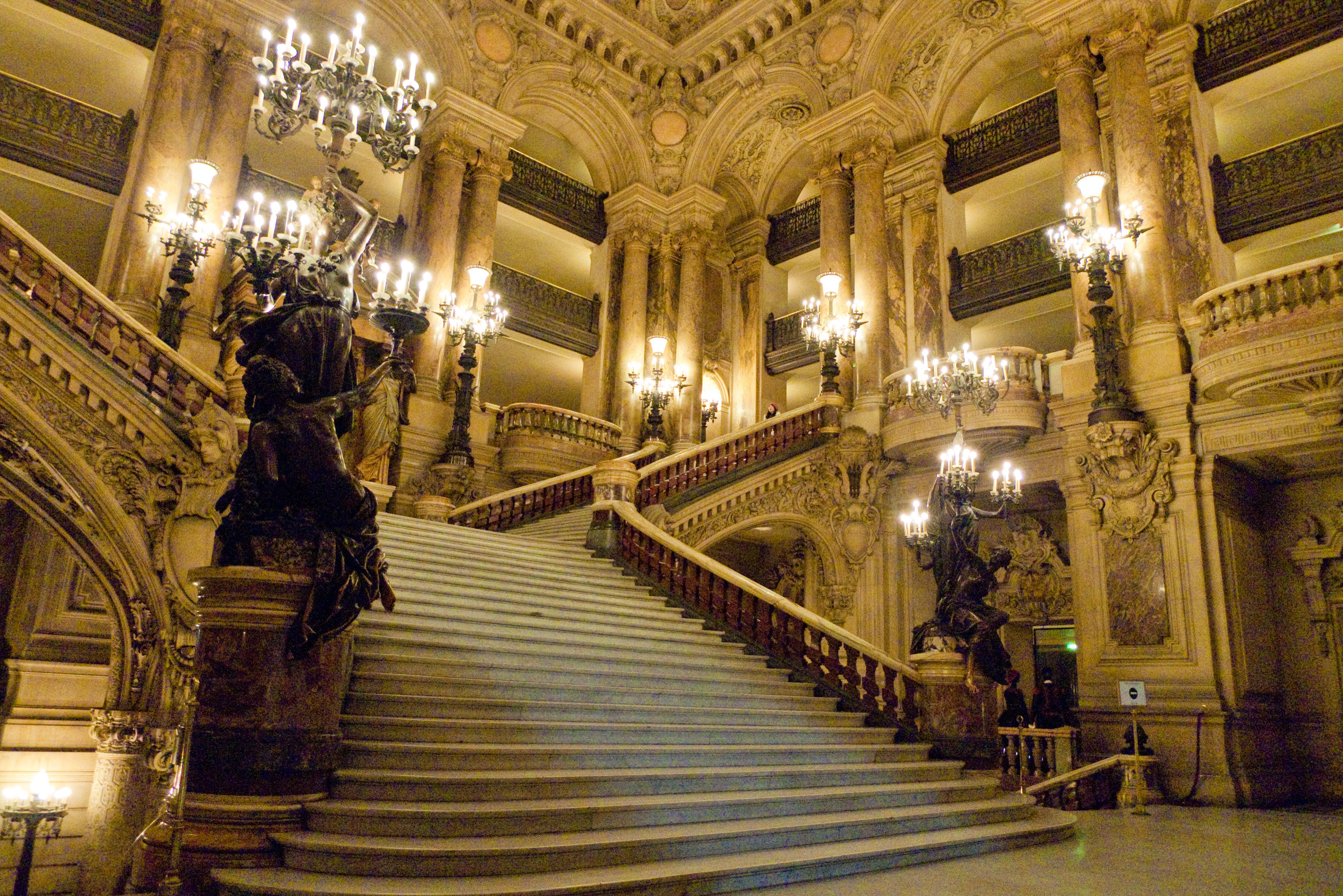 Парадная-лестницы_Гранд_Опера_театр-Париж