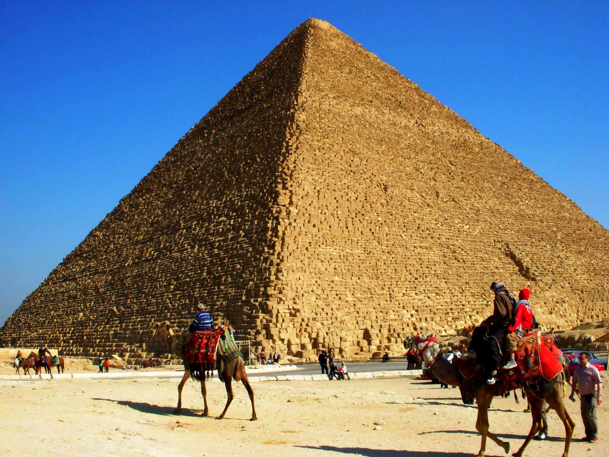 великие-пирамиды-в-гизе-египет