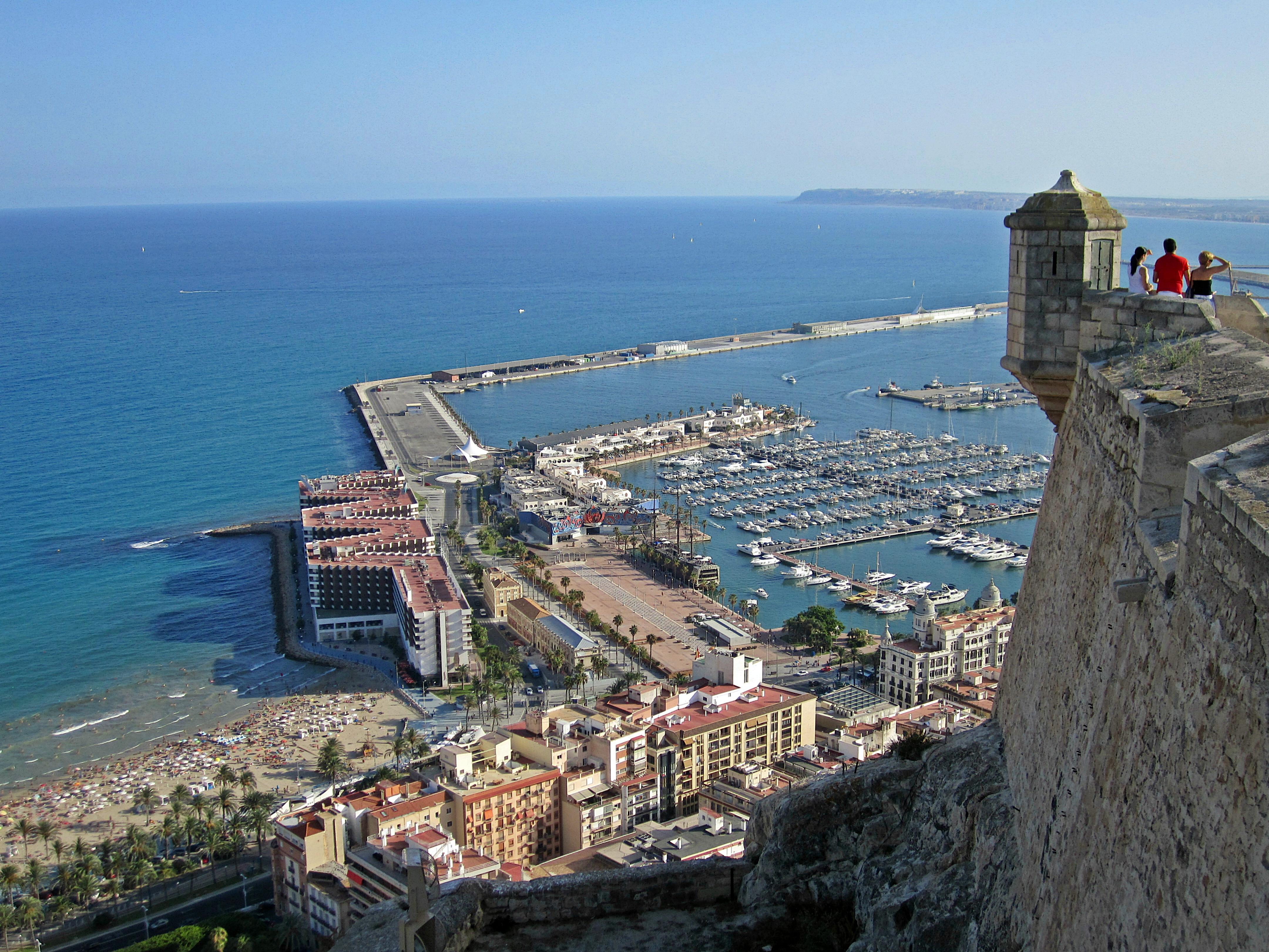 Alicante.крепость.Санта-Барбара-гора-Беноконтиль-Испания.вид.с.горы