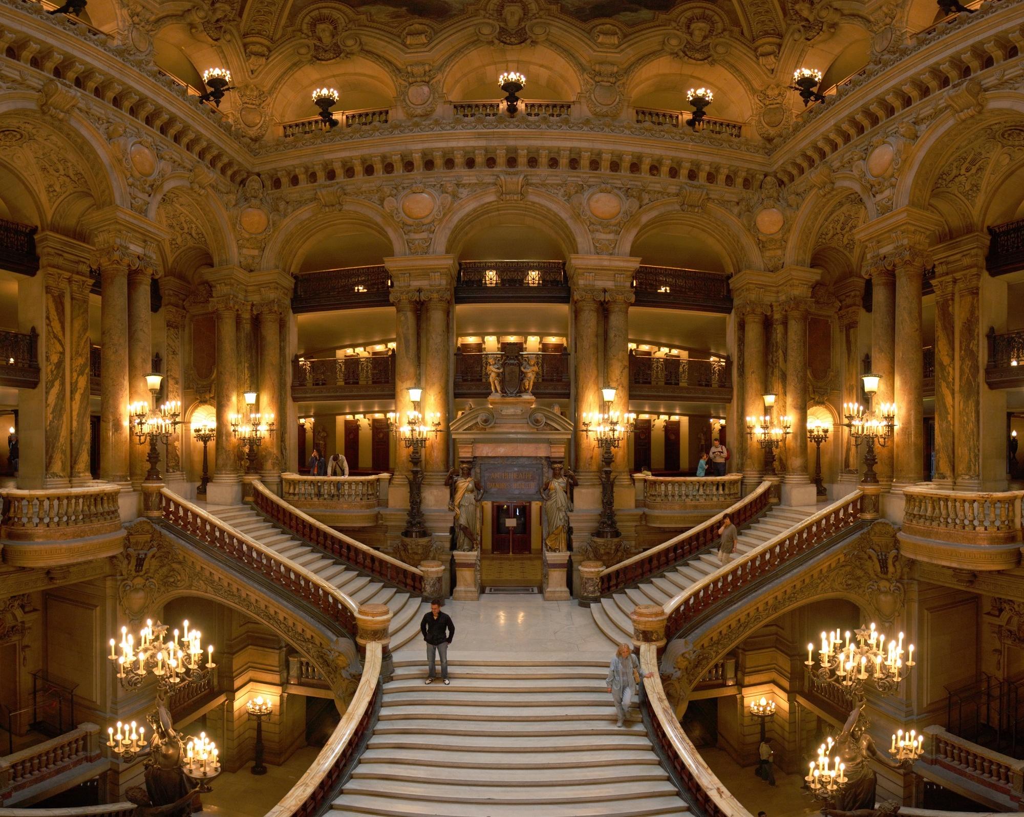 Opera_Garnier_Grand_Escalier_Paris_France