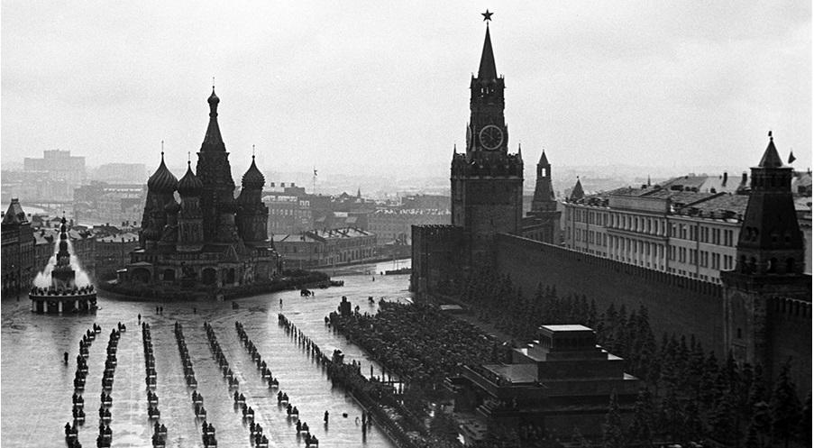 parad-pobedi-1945-Moskva-krasnaja-ploshad