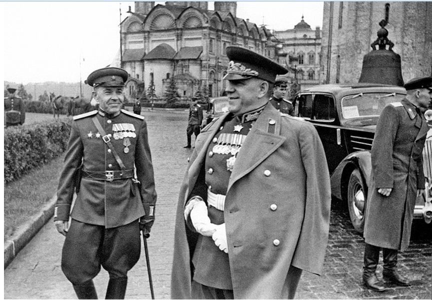 parad-pobedi-1945-Zhukov-Moskva-krasnaja-ploshad