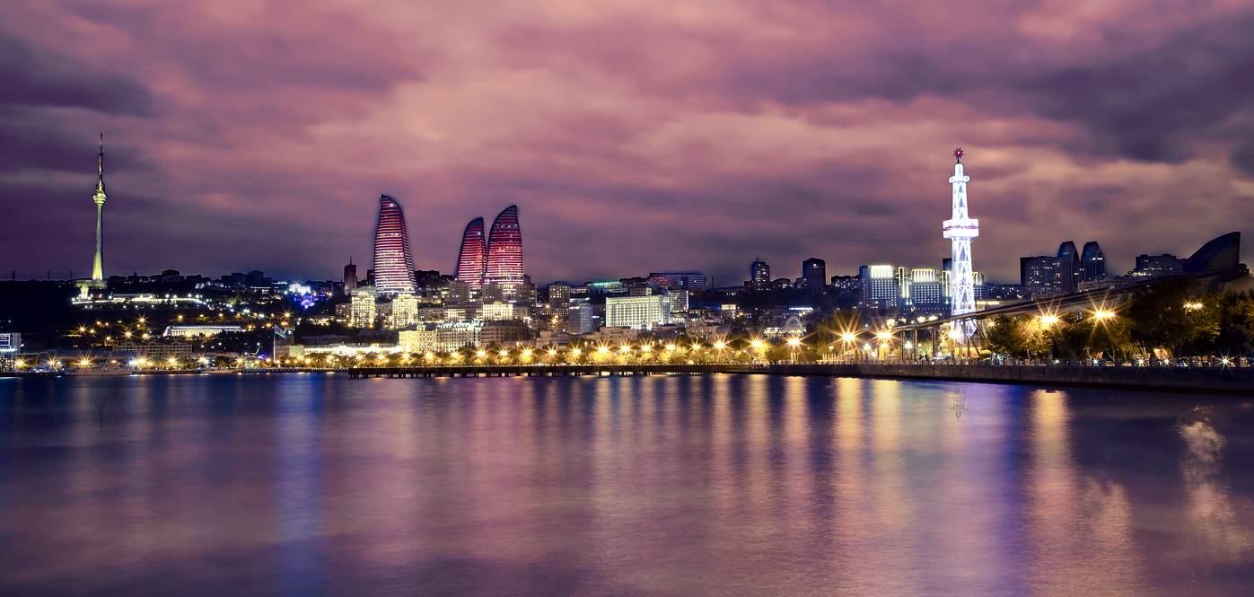 Азербайджан-ночной-Баку