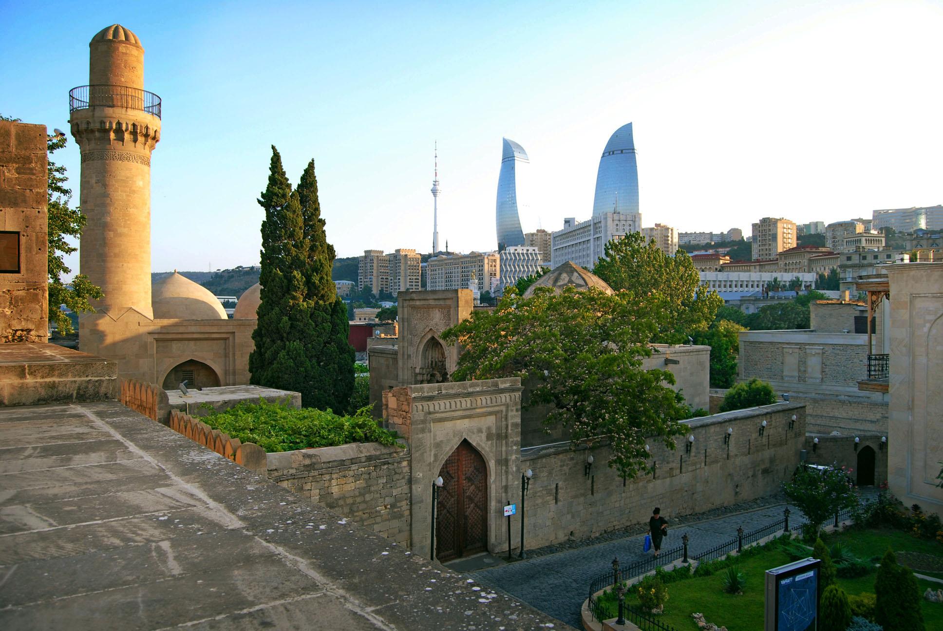 Азербайджан-вид-на-город