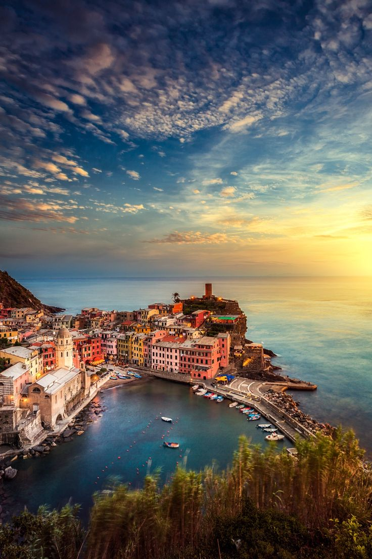Sunset_in_Manarola_Italy