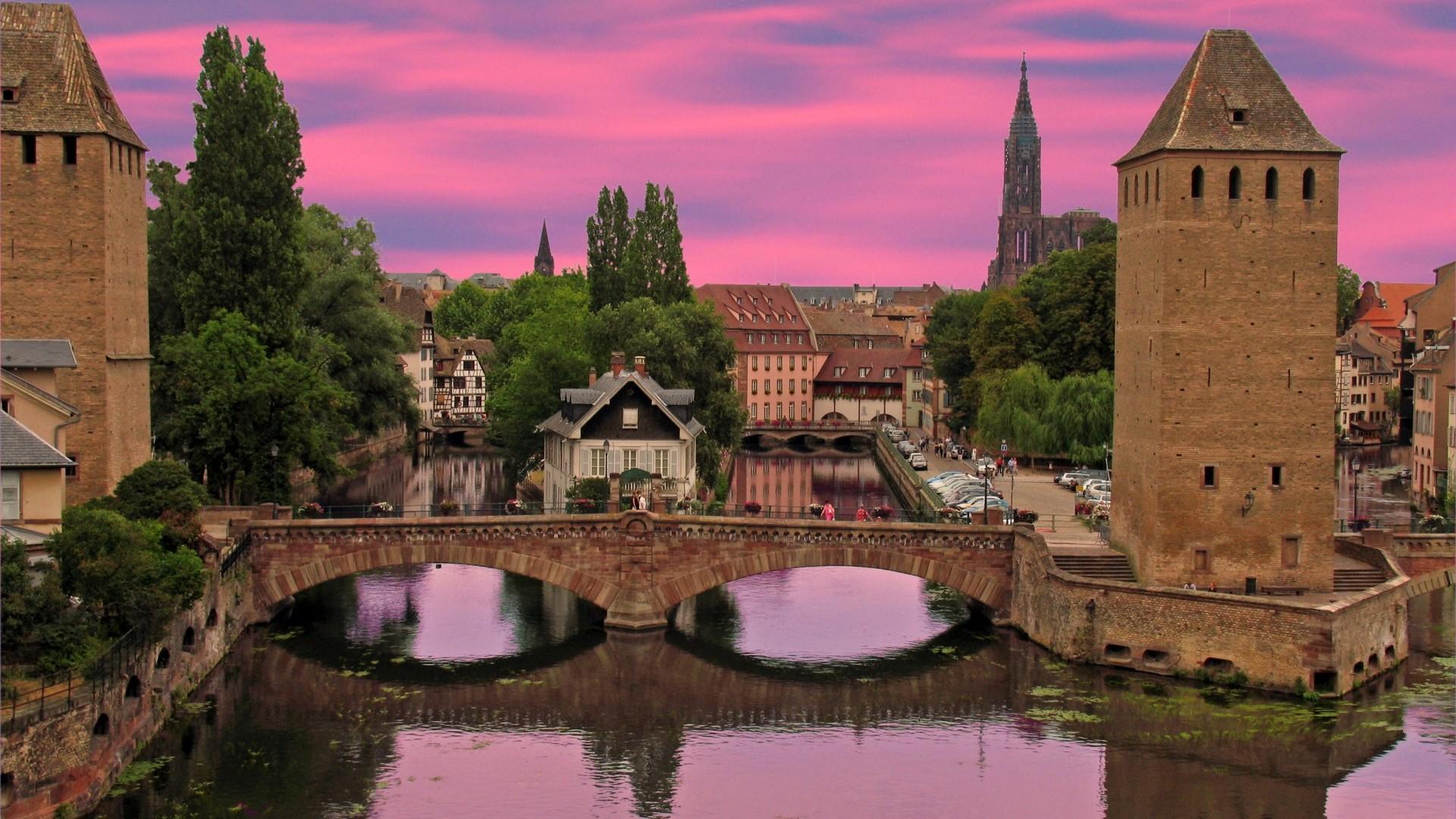 Красивый_вид_на_город_Эльзас_Франция_Страсбург_мост