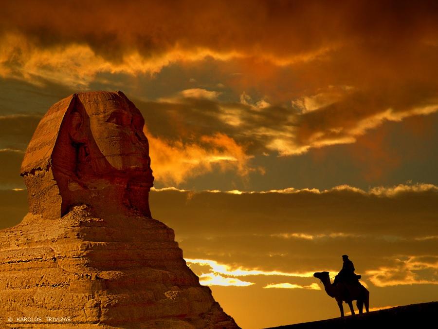 Бедуин_у_подножия_сфинкса_пустыня_Египет