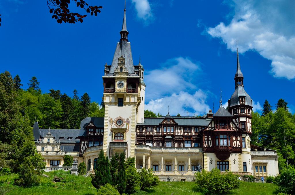 Peles_Castle_Romania_Замок_Пелеш_Румыния