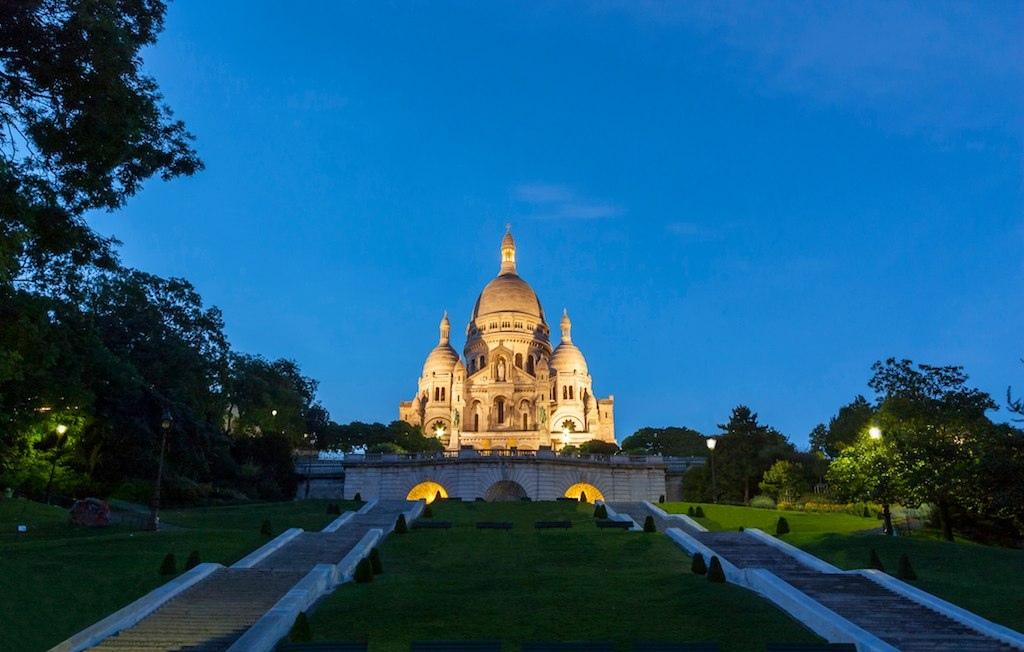 базилика_сакре_кер_храм_на_вершине_холма_монмартр_париж_франция.1jpg