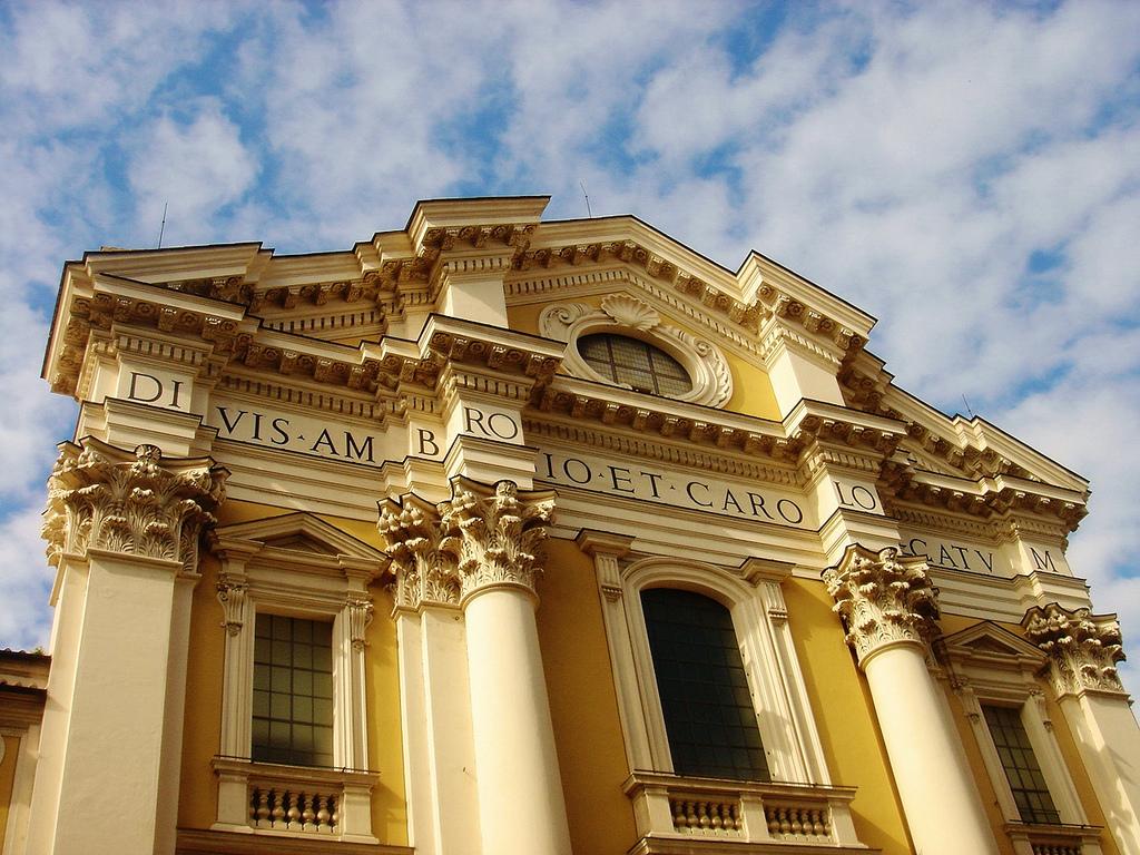San_carlo_al_corso_Roma_Italy