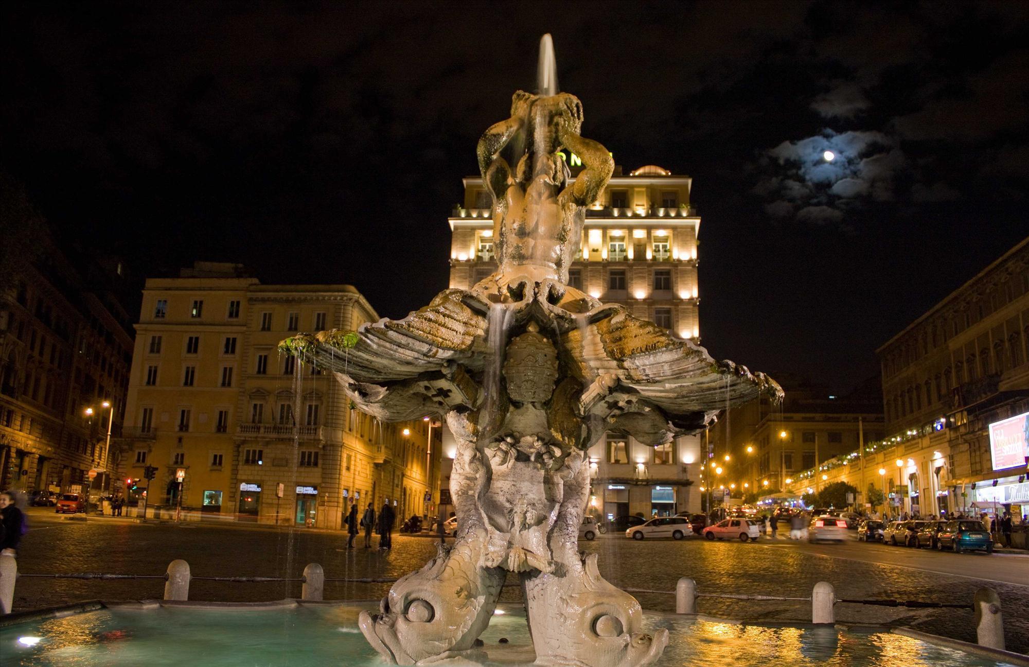 tritone-fountain-фонтан_Тритона_Рим_Италия