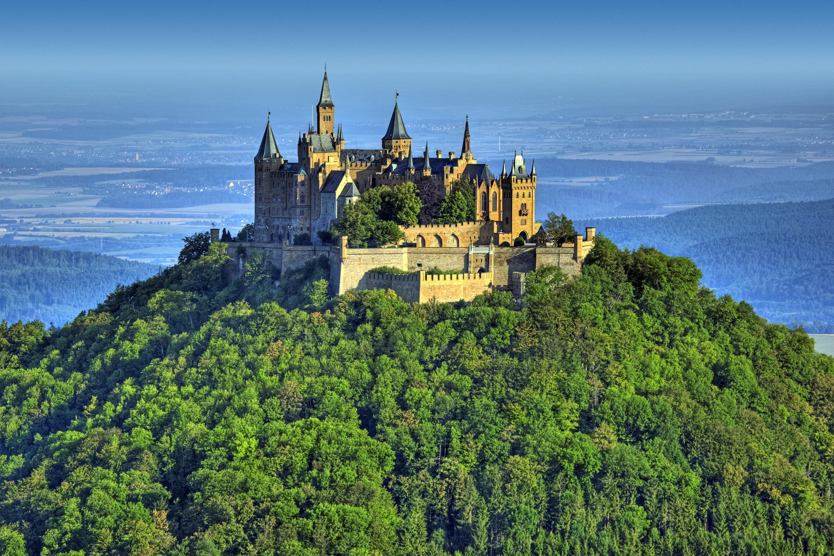 Burg_Hohenzollern_castle_замок_Германии