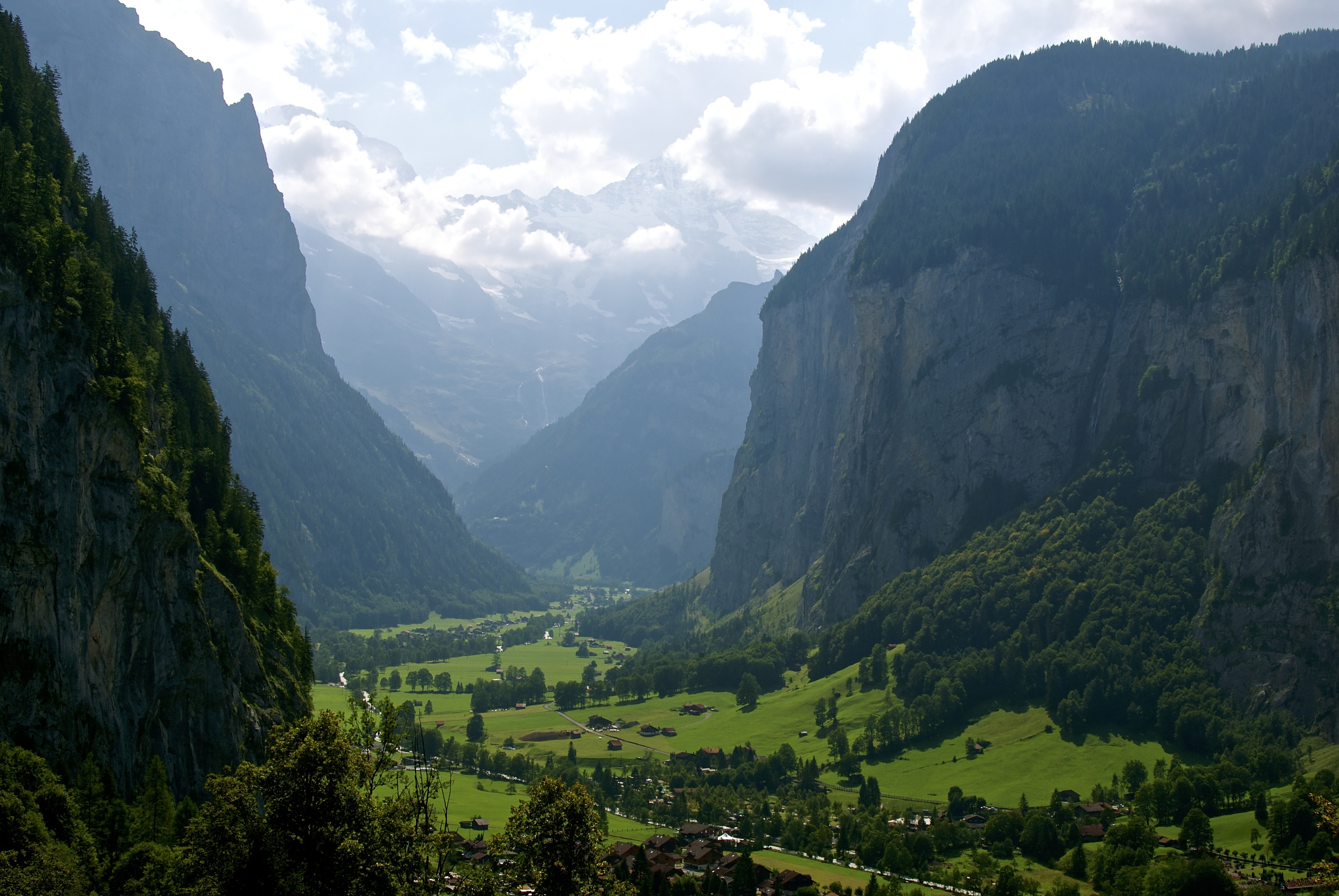 lauterbrunnen-switzerland-1