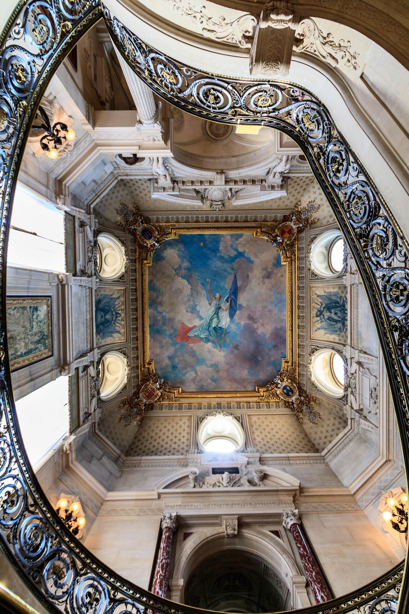L'escalier+d'honneur _du_château_de_Chantilly_Лестница_чести_замок_Шантийи_внутри