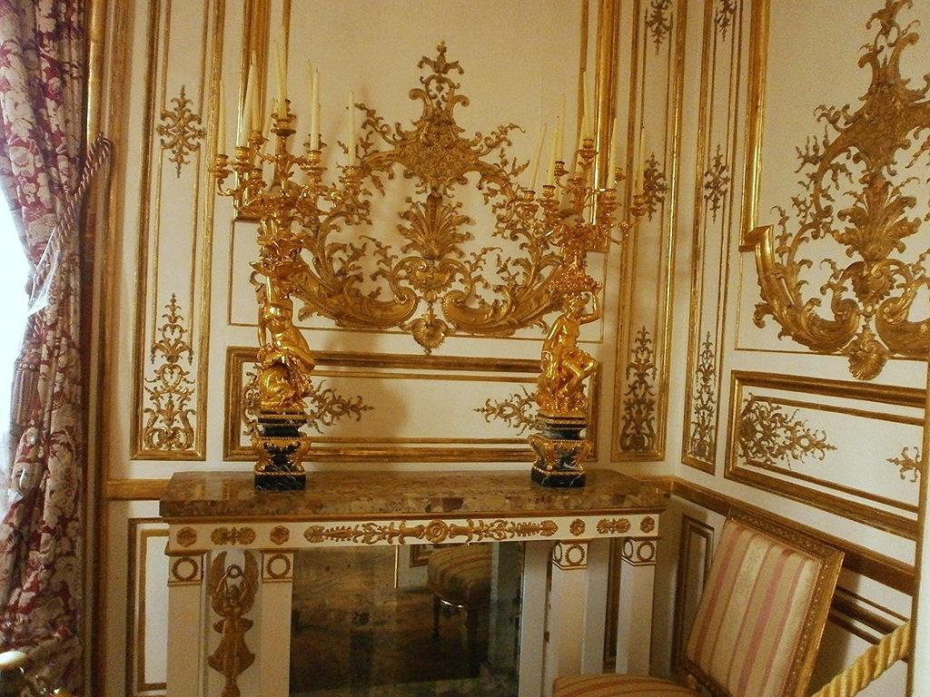 Chantillies_castle_france_Château_de_Chantilly_замок_Шантийи_Франция_замок_внутри