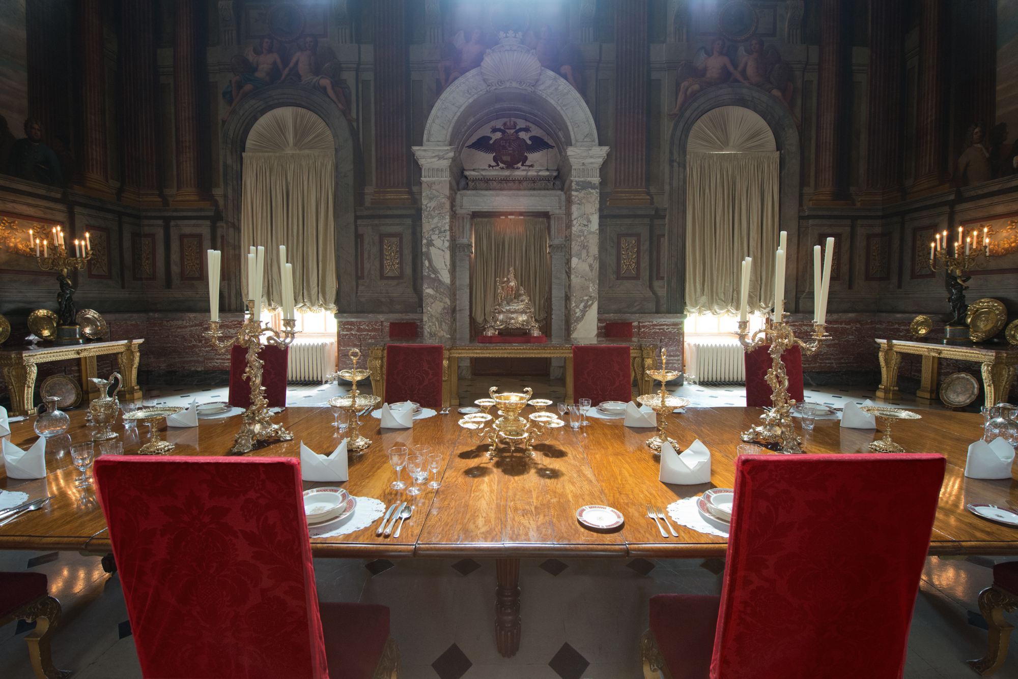 state-dining-room-blenheim-palace-woodstock-